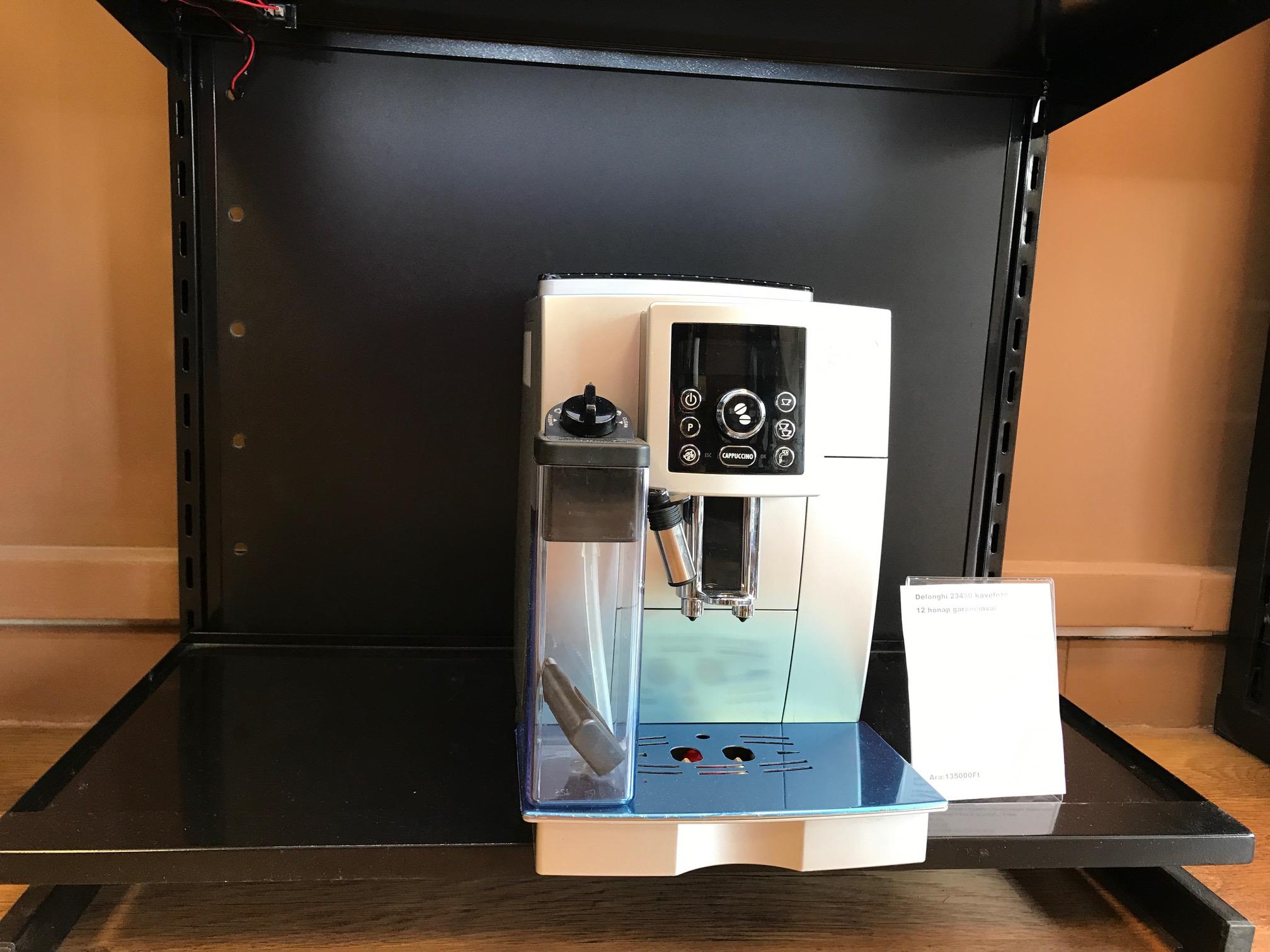 DeLonghi ECAM 23.450 S Kávéfőző felújított 12 hónap garanciával